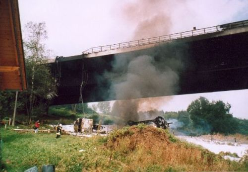 tanker-vs-bridge1